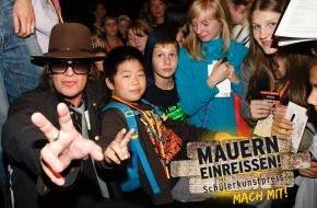 """Stage Entertainment Berlin: """"Mauern einreißen!"""" - Schülerkunstpreis zum Mauerfall / Udo Lindenberg und Hinterm Horizont starten bundesweiten Schülerwettbewerb"""