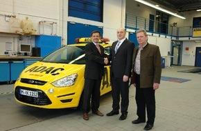 Ford-Werke GmbH: Tausendster Ford S-MAX für die ADAC-Straßenwacht
