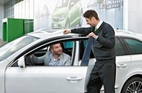 Skoda Auto Deutschland GmbH: SKODA Serviceaktion: Zum Rundum-Check für die Urlaubsfahrt gibt's Warnweste gratis
