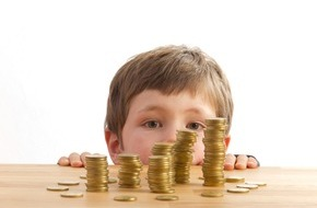 CosmosDirekt: Clever vorsorgen: So sparen Familien mit Kind für die Zukunft