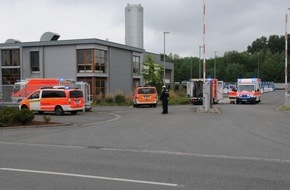 Feuerwehr Dorsten: FW-Dorsten: Schwerer Arbeitsunfall sorgte für vier verletzte Menschen in Recyclingbetrieb