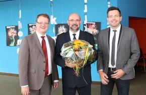 Kreispolizeibehörde Ennepe-Ruhr-Kreis: POL-EN: Ennepe-Ruhr-Kreis - Polizeidirektor Klaus Menningen als neuer Abteilungsleiter Polizei vorgestellt