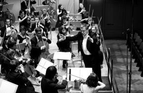 Schweizer Jugend-Sinfonie-Orchester: Schweizer Jugend-Sinfonie Orchester: Das junge Orchester mit alter Tradition auf Frühjahrstournee / Auf dem Programm stehen Werke von Verdi, Huber und Tschaikowsky - Solist ist Louis Schwizgebel-Wang