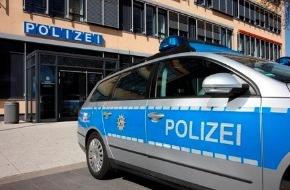 Polizeipressestelle Rhein-Erft-Kreis: POL-REK: Zehn Garagen beschmiert - Hürth