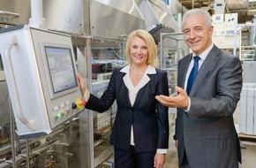 Philip Morris GmbH: Sachsens Ministerpräsident Tillich besucht f6 Cigarettenfabrik