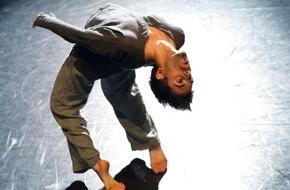 Migros-Genossenschafts-Bund Direktion Kultur und Soziales: Steps, Festival de danse du Pour-cent culturel Migros 2016 / Compte à rebours dans tout le pays jusqu'à l'ouverture du Festival de danse