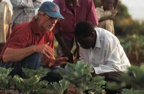 Stiftung Biovision: Alternativer Nobelpreis geht erstmals an einen Schweizer / Hans Rudolf Herren wird für seinen Einsatz gegen Hunger und Armut ausgezeichnet