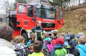 Feuerwehr Kirchhundem: FW-OE: außergewöhnlicher Samstagsunterricht
