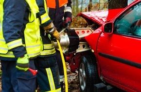 CosmosDirekt: Hilfe für Einsatzkräfte: Wie die Rettungskarte Ihre Sicherheit erhöht (FOTO)