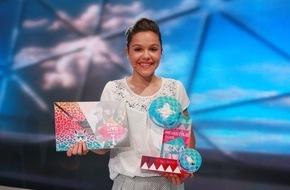 """Der Kinderkanal ARD/ZDF: """"KiKA LIVE - Mein Style"""" 2015 / Die 14-jährige Nachwuchs-Designerin Tabitha holt sich den Sieg"""