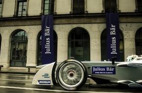 Bank Julius Bär & Co. AG: Un véhicule de Fomula E dans les rues de Genève - Julius Baer les technologies durables