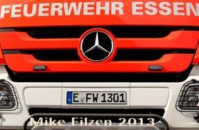 Feuerwehr Essen: FW-E: brennt Fachwerkhaus