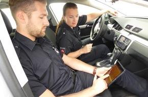 Polizeiinspektion Hameln-Pyrmont/Holzminden: POL-HM: Polizei nun mit Tablets unterwegs - mobiler Datenzugriff während der Streifenfahrt