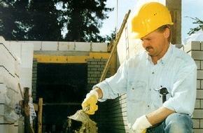 """Berufsgenossenschaft der Bauwirtschaft: Zehn Jahre verboten: Chromathaltiger Zement - """"Erfolg für den Arbeitsschutz"""""""