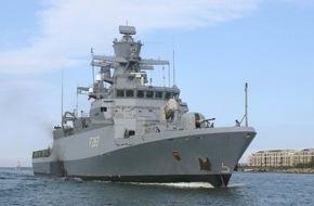 Presse- und Informationszentrum Marine: Führungswechsel im 1. Korvettengeschwader Nach 2 Jahren als Geschwaderkommandeur übergibt Fregattenkapitän Liche das Kommando über 5 Korvetten an Fregattenkapitän Dr. Zarthe