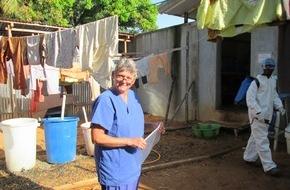 Aktion Deutschland Hilft e.V: Aktion Deutschland Hilft: Im Kampf gegen Ebola mit Aufklärung nicht aufhören / In Liberia stagniert Anzahl von Neuinfizierungen und Todesfällen dank Einsatz von Hilfsorganisationen