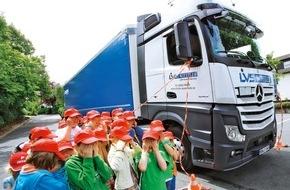 AUTO BILD: AUTO BILD: Tödliche Lkw-Unfälle - weil Politik und Industrie zögern
