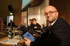 news aktuell GmbH: iPad erste Ikone des mobilen Internets: Bald journalistische Beiträge im Einzelverkauf?