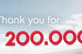 Air Berlin PLC: 200.000 facebook Freunde - airberlin bedankt sich mit topbonus Meilen
