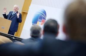 """HPI Hasso-Plattner-Institut: Angriff auf Bundestags-IT ein """"Debakel"""": Ex-Innenminister Schily beklagt auf Potsdamer Sicherheitskonferenz Versäumnisse"""