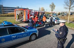 Polizeipressestelle Rhein-Erft-Kreis: POL-REK: Unfall mit Müllwagen -  Hürth