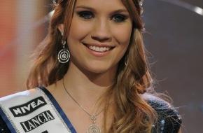 Lancia / Fiat Group Automobiles Switzerland SA: Miss Schweiz 2010 unterwegs mit Lancia Delta