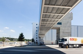 Coop Genossenschaft: Coop inaugura il più importante centro logistico e la nuova panetteria industriale / Schafisheim, nel Canton Argovia, un progetto all'avanguardia portato a termine con successo
