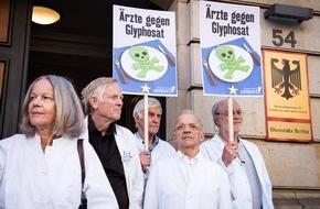 Campact e.V.: Ärzte-Protest gegen Glyphosat vor dem Landwirtschaftministerium / Ärzteverbände fordern Agrarminister Schmidt auf, bei Glyphosat-Abstimmung mit Nein zu stimmen