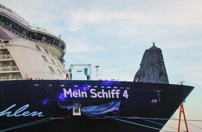 TUI Cruises GmbH: Über dem Hafen von Kiel: Franziska van Almsick tauft Mein Schiff 4 / Große Taufparty am Ostseekai