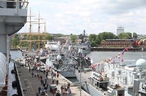 Presse- und Informationszentrum Marine: Einmalig vielfältig Die Marine auf der Kieler Woche