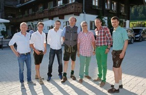 Tourismusverband Ramsau am Dachstein: Klettersteig-Jubiläum und hitzige Diskussion zur Sonnenwende in der Ramsau am Dachstein