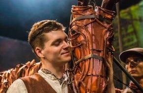 """Stage Entertainment Berlin: Theaterpremiere von """"Gefährten"""" in Berlin / Englisches Erfolgsstück """"War Horse"""" erstmals in deutscher Sprache / Erste Szenenfotos aus dem Theater des Westens"""