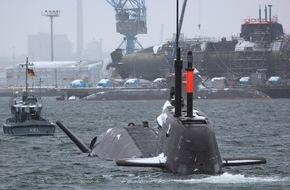 """Presse- und Informationszentrum Marine: Deutsche Marine stellt """"U35"""" in Dienst"""