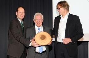 Green Brands: Dr. Franz Alt und 36 Marken zu den GREEN BRANDS Germany 2013 ausgezeichnet