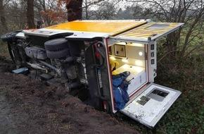 Rettungsdienst-Kooperation in Schleswig-Holstein gGmbH: RKiSH: Abschlussmeldung: Rettungswagen kippt in den Straßengraben / Zwei Leichtverletzte / Gute Arbeit der Ersthelfer / Unverständnis über leichtsinnige Fotografen