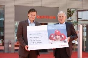 Raiffeisen Schweiz: 320'000 francs récoltés en faveur de la relève de Swiss-Ski grâce à l'action Raiffeisen «Hands up» auprès des supporters