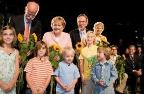 VDA Verband der Automobilindustrie e.V.: Bundeskanzlerin Dr. Angela Merkel eröffnet IAA