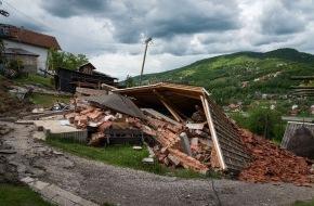 Caritas Schweiz / Caritas Suisse: Caritas met à disposition un montant d'aide d'urgence de 500 000 Francs - Aide aux victimes des inondations catastrophiques en Bosnie et en Serbie