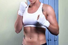 """SAT.1: Bullenstark! Kickbox-Weltmeisterin Julia """"The Cop"""" Irmen verspricht: """"Im Ring bin ich nicht mehr aufzuhalten!"""" / Irmen vs. Stavrova am Freitag, 9. Mai 2014,  live bei """"ran Boxen"""" in SAT.1"""