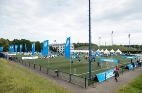 GAZPROM Germania GmbH: Anstoß zum GAZPROM Fan Cup auf Schalke