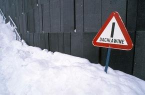 CosmosDirekt: Vorsicht Tauwetter: Wie Schäden durch Dachlawinen versichert sind (FOTO)