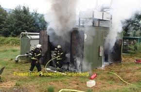 Feuerwehr Plettenberg: FW-PL: Brand auf landwirtschaftlichen Betrieb richtet Schaden in hohem sechsstelligen Bereich im Plettenberger Ortsteil-Pasel an.