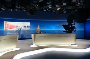 NDR / Das Erste: Jan Hofer präsentiert erste Tagesschau aus neuem Studio