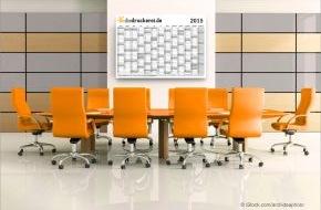 Onlineprinters GmbH: Jahresplanung mit Kalendervorlagen für 2015 von diedruckerei.de / Wandplaner und Kalender einfach selbst gestalten