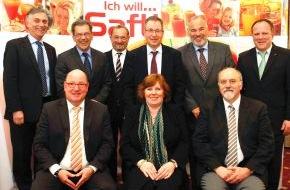 VdF Verband der deutschen Fruchtsaft-Industrie: Mitgliederversammlung Erfurt - Fruchtsaft-Industrie wählt neuen Präsidenten (FOTO)