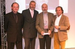 """Dekra SE: Initiative von DEKRA und sport auto im zweiten Jahr / """"Fairnesspreis des Motorsports"""" an Olaf Manthey verliehen"""