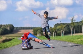 HUK-Coburg: Ein Schulweg muss vor allem sicher sein / Haftungsprivileg für Kinder - Autofahrer müssen aufpassen: Fuß vom Gas