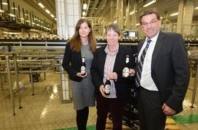 Krombacher Brauerei GmbH & Co.: Bundesumweltministerin Dr. Barbara Hendricks besucht Krombacher Brauerei - umweltfreundliches Engagement pro Mehrweg vorbildlich