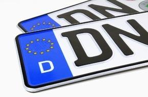 CosmosDirekt: Wussten Sie eigentlich, dass Autofahrer ab dem 1. Januar 2015 bei einem Wohnortwechsel innerhalb Deutschlands ihr Kfz-Kennzeichen behalten dürfen?