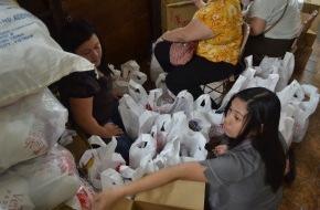 Caritas Schweiz / Caritas Suisse: Caritas Schweiz erhöht ihren Nothilfebeitrag auf 2 Millionen Franken  Zeltplanen und Nothilfesets für 45 000 Menschen